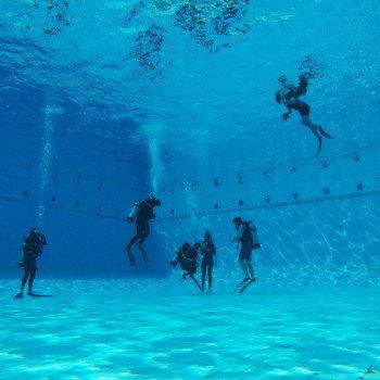 Potápanie v bazéne