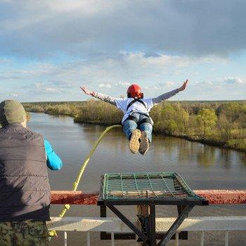 Zoskok z mosta